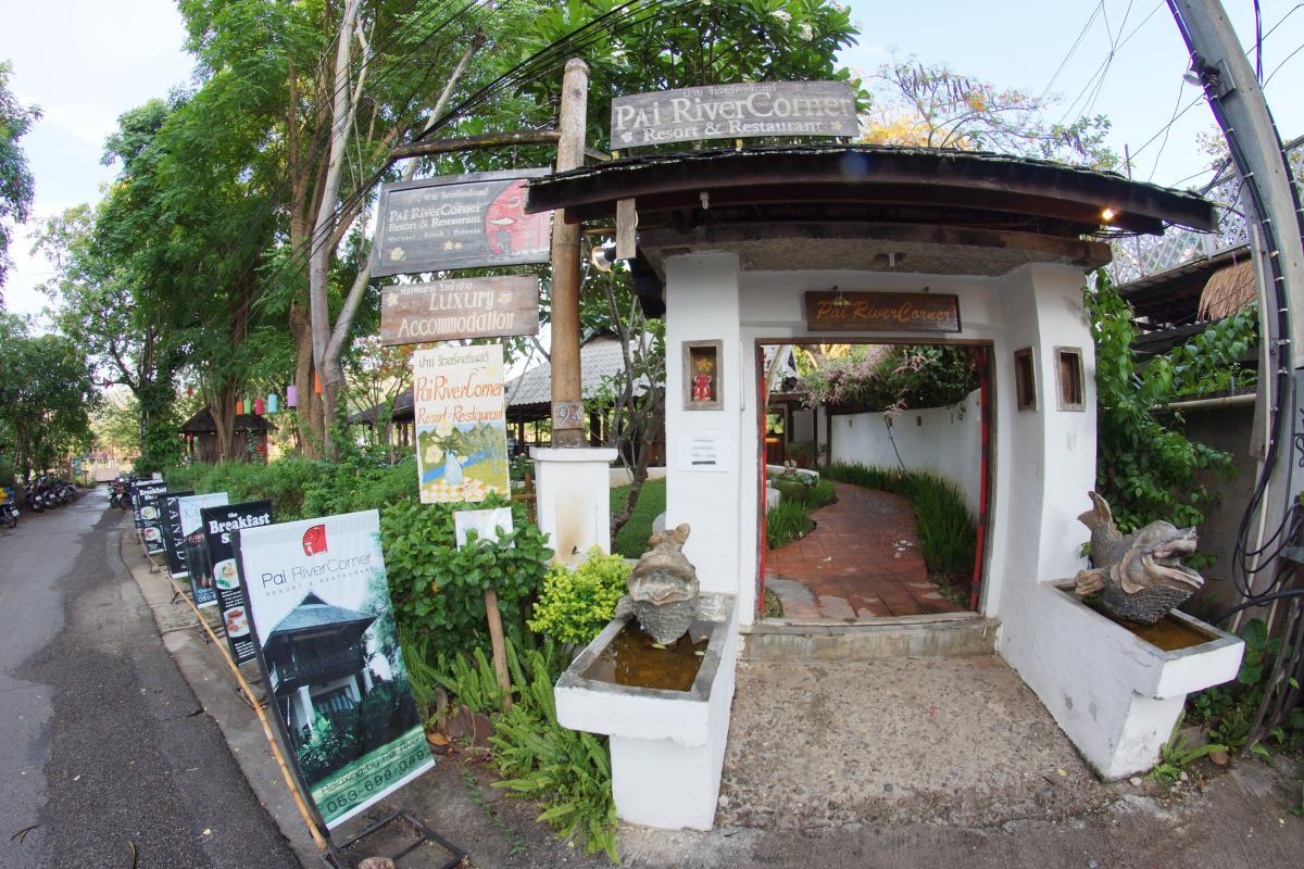 Pai River Corner Resort and Restaurant